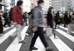 Japonya Başbakanı, evinden ayrılan milletvekili adına özür diledi