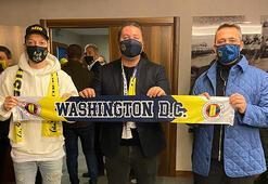 Mesut Özil ve Ali Koçtan Fenerbahçe atkısı ile Washington DC Uniteda mesaj