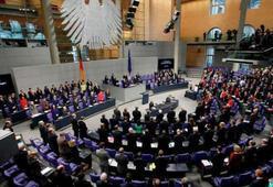 Almanya parlamentosu Nazi kurbanlarını andı
