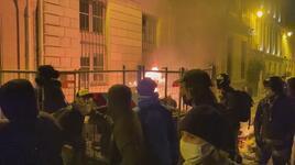 """Fransa'da """"güvenlik tasarısı"""" protestosuna polis müdahalesi"""