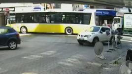 Güngören'de otomobilin çarptığı yaya yaralandı; sürücü ise kaçtı