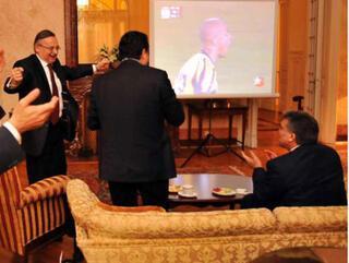 Cumhurbaşkanı Gül Fenerbahçeyi ayakta alkışladı