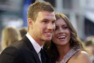 En güzel futbolcu eşleri