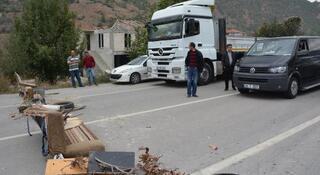Karabükte köylülerden yol kapatma eylemi
