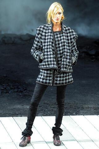 Chanel 2011 2012 Sonbahar Kış Defilesi Paris Fashion Week