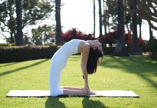 Adet sancılarına iyi gelen yoga pozisyonları