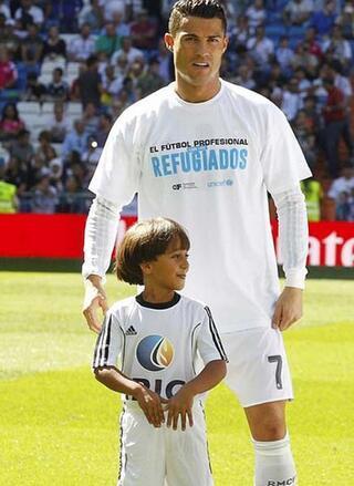 Ronaldodan Avrupaya insanlık dersi