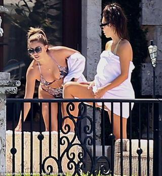 Kim Kardashian tangayla görüntülendi