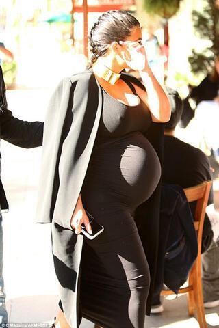 Kardashiandan seksi elbise