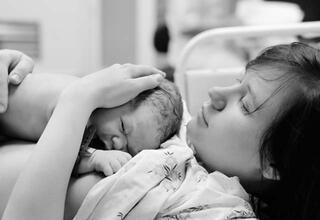 Bebeklerin gelişme geriliğinde erken doğum riskli mi
