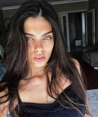 Adriana Lima benzerliği şaşırttı