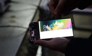 Kırık telefon ekranlarından yeni ekran ürettiler