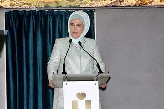 Emine Erdoğan, Üsküdarda kadınlarla bir araya geldi