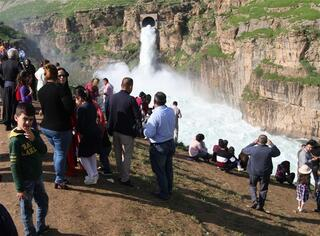 Yerli turistler akın etti