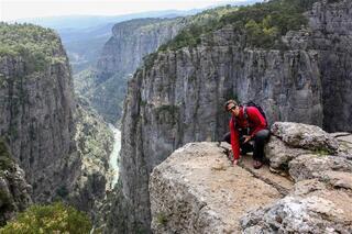 Tazı Kanyonunda tehlikeli poz