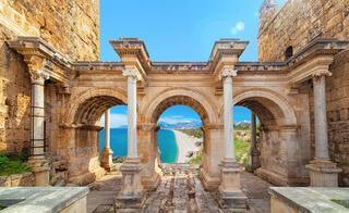 Antalya 16 milyon turisti bekliyor