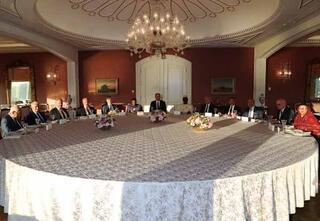 Cumhurbaşkanı Erdoğan yabancı konukları akşam yemeğinde ağırladı