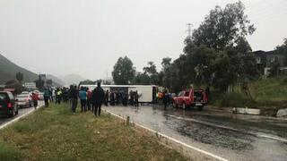 Yolcu otobüsü devrildi Çok sayıda ölü ve yaralı var