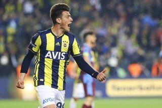 Fenerbahçe transfer haberlerinde son dakika gelişmesi.. Yıldız oyuncuyla 2+1 yıllık anlaşma sağladı