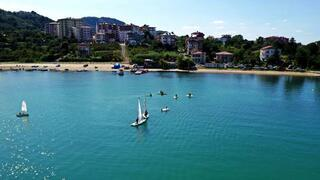 Yelken ve kanolar Karadenizin mavisine yakıştı