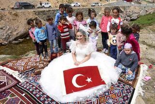 Yaylada defile Türkiyede bir ilk...