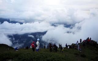 Huser Yaylasında bulutların üstünde salıncak keyfi