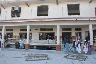 Pakistanda camide patlama Çok sayıda ölü ve yaralı var...