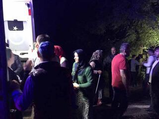 Otomobil baraja uçtu 4 kişinin cansız bedenine ulaşıldı