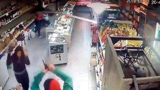 2 kadın çalışan, soygunculara büyük şok yaşattı