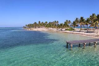 Belizede yetişkinlere özel ada