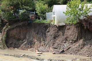 Zonguldaktaki kuvvetli yağış nedeniyle 6 ev kullanılamaz hale geldi