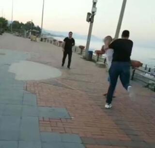 Sosyal medya canlı yayınında görüp koştular 2si kadın 3 Rus turist...