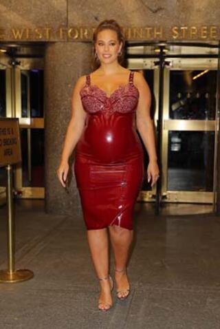 Ashley Grahamın hamile kıyafeti