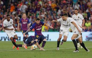 Barcelona zirvede 671 milyon 429 bin euro...