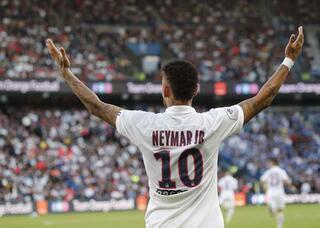 Neymar yuhalandığı maçta PSGyi ipten aldı