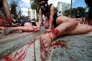 Böyle protesto görülmedi: Sokakları kana buladılar