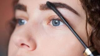 Makyaj yaparken gözleri büyük göstermenin püf noktaları