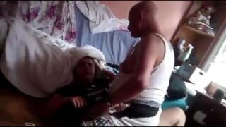 Kızına işkence yapan baba gözaltında