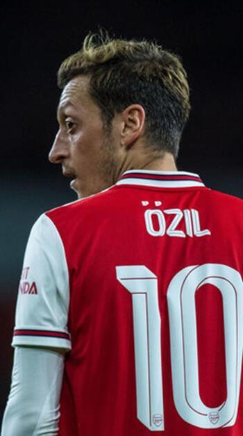 Mesut Özil transferinde büyük tehlike ortaya çıktı