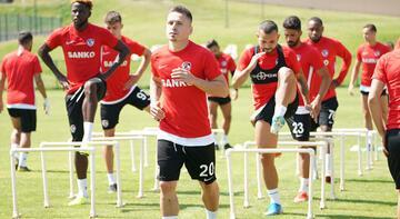 Gazişehir Gaziantep'te yeni transferler antrenmana çıktı