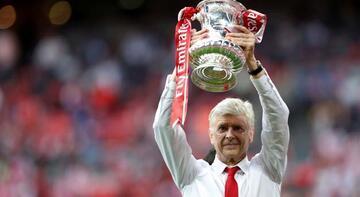 Arsene Wenger 69 yaşında geri dönüyor!