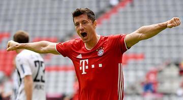 """Robert Lewandowski, Bundesliga'da """"sezonun  futbolcusu"""" seçildi"""