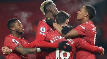 Manchester United, Aston Villa'yı 2 golle geçti