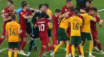 Son dakika - Türkiye - Galler maçında saha karıştı! Bitime saniyeler kala kavga
