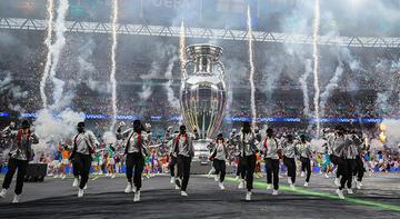 EURO 2020 Avrupa Şampiyonası'nın en iyi 11'i açıklandı