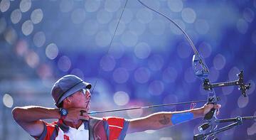 Şampiyon Mete Gazoz'a Olimpiyat Köyü'nde coşkulu karşılama