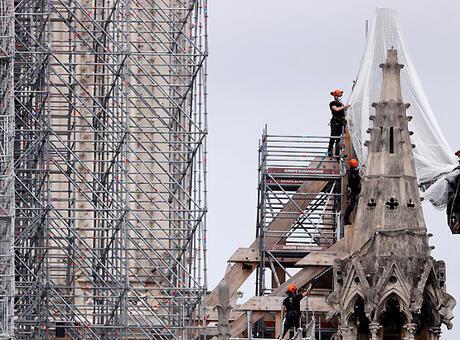 Notre-Dame'ın yangında yıkılan çan kulesinin orijinal şekli korunacak