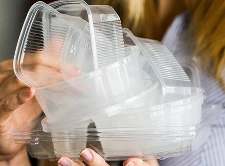 Yediğimiz marulun içinde bile var! 'BPA içermez' yazısı...