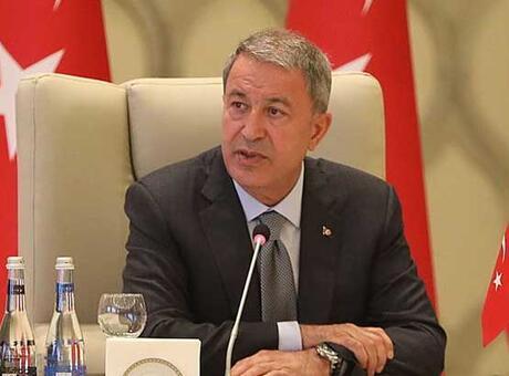Bakan Akar: Tüm imkânlarımızla Azerbaycan Türkü kardeşlerimizin yanında olacağız