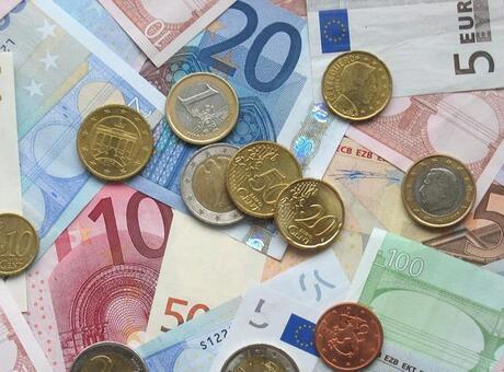 Euro Bölgesi'nde yıllık enflasyon sabit kaldı